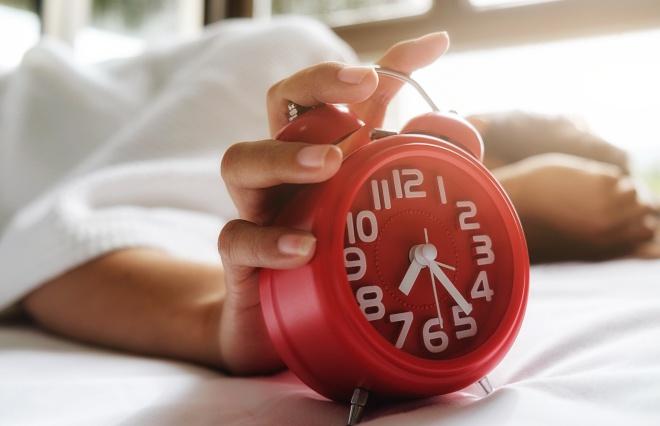 みんな毎日どれくらい寝ているの? オトナ女子に聞いてみた