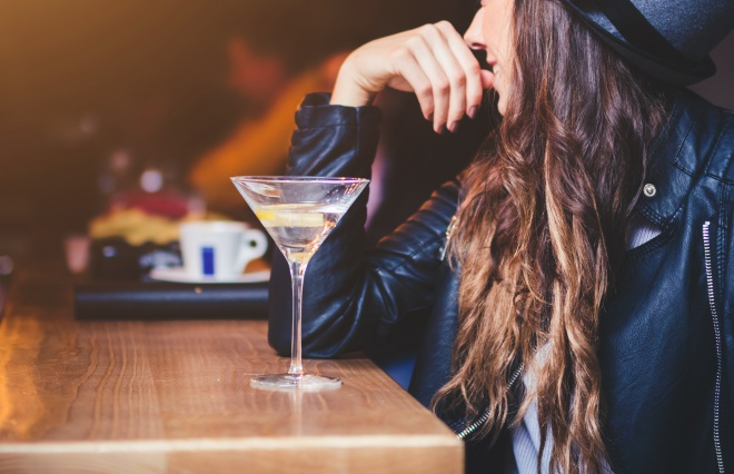 「ひとり飲みはどんなお店に行くの?」オトナ女子に聞いてみた