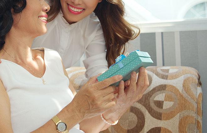 お母さんとの関係は「友達親子」の20代30代が約半数【母の日に対する意識調査】
