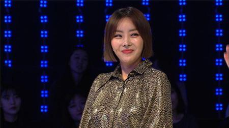 韓国ガールズグループ「Brown Eyed Girls」のナルシャ(35)が誰も招待せず、たった2人で結婚式を挙げたと明かした。