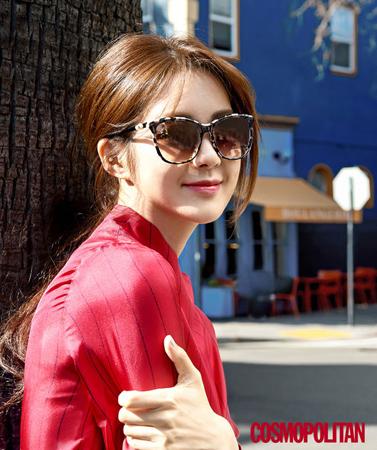 韓国女優イ・ヨウォンが、ドラマ「不夜城」で共演したユイ(AFTERSCHOOL)と福岡に行ったことなどを雑誌のインタビューで語った。(提供:OSEN)