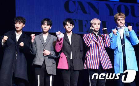 韓国の男性グループ「Highlight」が6つのチャートで1位を記録し、勢いに乗った。