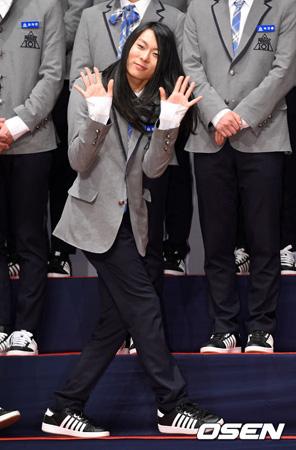 チャン・ムンボク(21)がTV出演者の非ドラマ部門1位に輝いた。