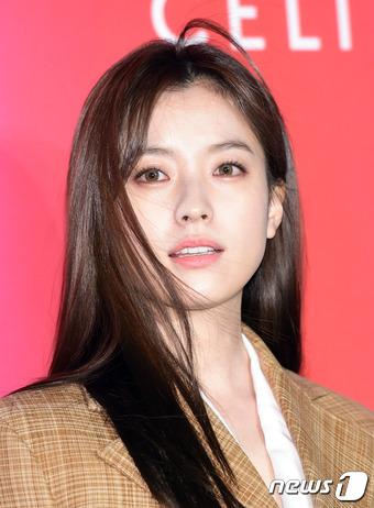 女優ハン・ヒョジュ、映画「人狼」オファー受け出演を検討中