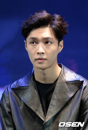 「EXO」LAY、5月の蚕室コンサートは不参加…スケジュール調整できず(提供:OSEN)