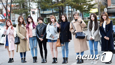韓国ガールズグループ「TWICE」が5月のカムバックを計画中だ。