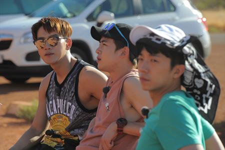 ウルルへの切符を手にすることはできるのか…!? 「2PM WILD BEAT」第9話がdTVで配信中! Wild Beat (C) 2017 JYP Pictures & IHQ media. All Rights Reserved