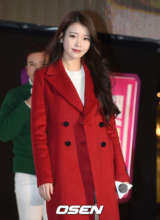 歌手IU、23日「人気歌謡」でカムバックへ(提供:OSEN)
