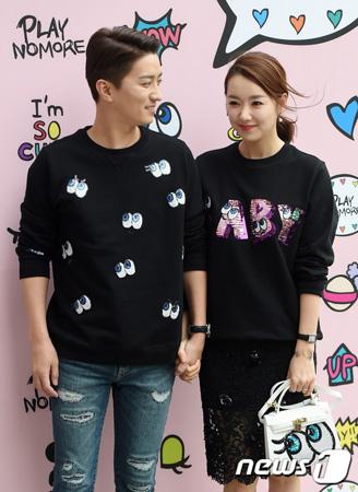 韓国俳優イン・ギョジン(36)、女優ソ・イヒョン(32)夫妻が二児の父母となる。