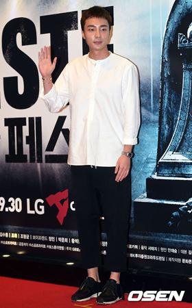 韓国歌手ロイ・キム(23)が5月のカムバックを確定し、ミュージックビデオ(MV)撮影に突入した。