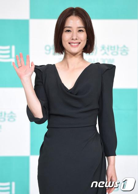 女優キム・ヒョンジュ、YNKと専属契約 「新たな出発のため、悩んだ末に決断」