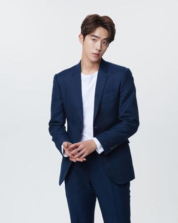 俳優ナム・ジュヒョク、「DramaFever Awards」でライジングスター賞受賞(提供:OSEN)