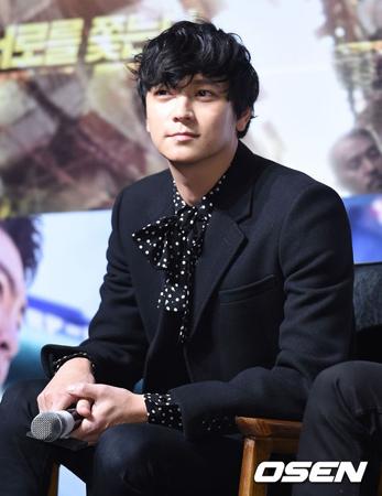 韓国俳優カン・ドンウォンが、母方の曾祖父に関する騒動を謝罪した。(提供:OSEN)
