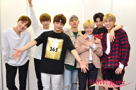 「TOPSECRET」左からアイン、ウヨン、ヨンヒョン、ジョンフン、キョンハ、ケイ、ヨハン