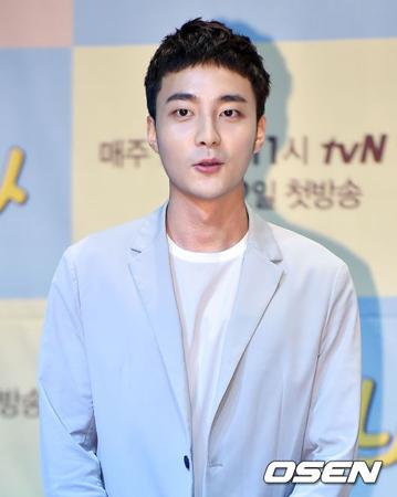 韓国歌手ロイ・キム(23)の楽曲「BOM BOM BOM」を取り巻く裁判が和解勧告決定が失敗に終わり、調停に入った。