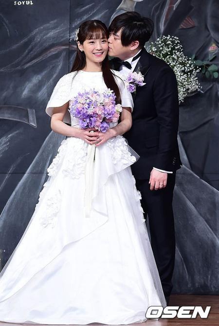 """""""授かり婚否定""""の嘘が発覚したムン・ヒジュン、ソユル妊娠の話題には触れず… 「良い大統領を願う」"""