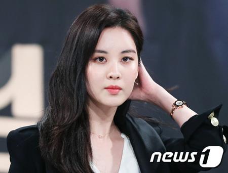 韓国ガールズグループ「少女時代」メンバーで、新ドラマ「泥棒野郎、泥棒様」の主演を務めるソヒョンが、視聴率への期待を見せた。(提供:news1)