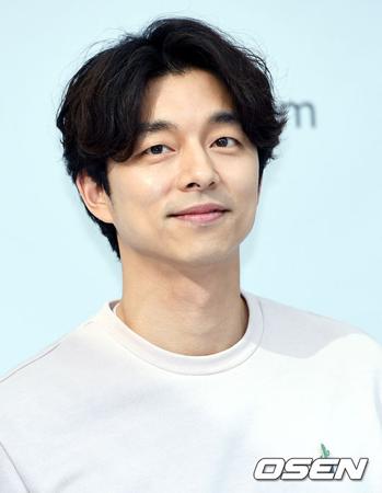 韓国俳優コン・ユがファンと共にバザーを開催する。(提供:OSEN)