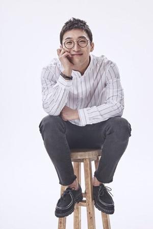 韓国俳優ドン・ヒョンベ(34)が映画「私に残った愛を」に特別出演する。所属事務所エコグローバルグループ側が15日、明らかにした。(提供:OSEN)