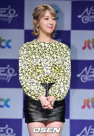 韓国ガールズグループ「AOA」メンバーのチョアが、行方不明説に続いて熱愛が報じられた中、心境を自ら語った。(提供:OSEN)