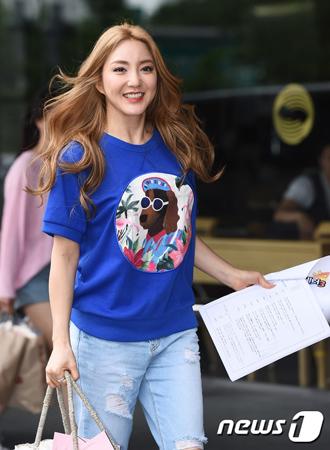 韓国歌手パダ(37)がソルビ(32)のカムバックを祝福した。