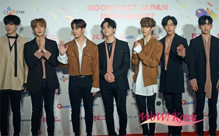 去る5月19日(金)、20日(土)、21日(日)、幕張メッセにて世界最大級のK-Cultureフェスティバル「KCON 2017 JAPAN」が開催された。画像はレッドカーペットでの「GOT7」。