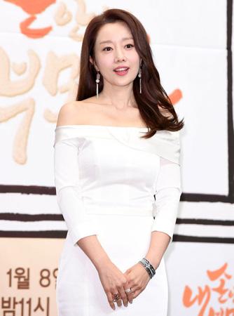 韓国女優ユンソナがKBS新バラエティドラマ「最高の一発」を通じてニューシングルを発売する。(提供:OSEN)