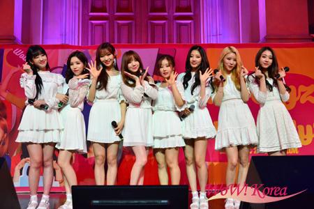 「LOVELYZ」左からジエ、JIN、スジョン、Kei、Babysoul、イェイン、ミジュ、ジス