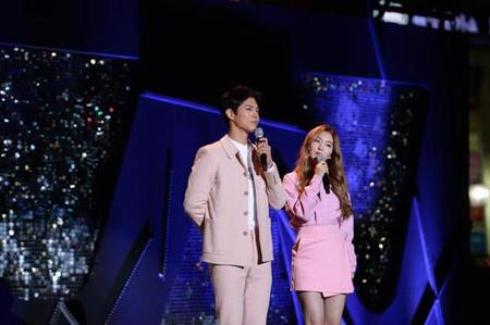 パク・ボゴム&アイリーン(Red Velvet)、「ミュージックバンク」ワールドツアーのMCに! (提供:news1)