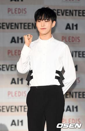 韓国ボーイズグループ「SEVENTEEN」メンバーのHoshiが、SBSの音楽番組「人気歌謡」のスペシャルMCを務めることになった。(提供:OSEN)