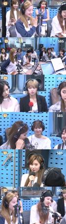 韓国ガールズグループ「TWICE」がタイトル曲「SIGNAL」への愛情を示した。(提供:OSEN)