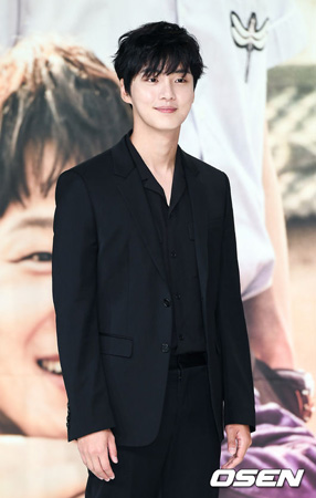 「最高の一発」ユン・シユン、「チャ・テヒョンは演技のマニュアルであり、頼りになる先生」(提供:OSEN)