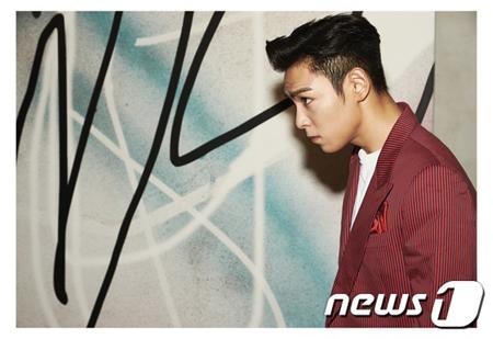 韓国の人気グループ「BIGBANG」のT.O.P(29)が入隊前に大麻吸煙で摘発されたことが伝えられる中、彼が所属する江南(カンナム)警察署側が「捜査結果が出次第、懲戒処分を下す計画」と明らかにした。