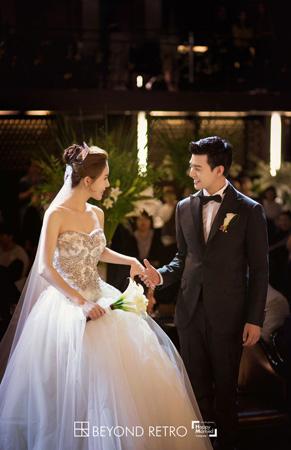 "「U-KISS」イライ、結婚式の写真を公開! ""まるで映画のワンシーン""(提供:OSEN)"