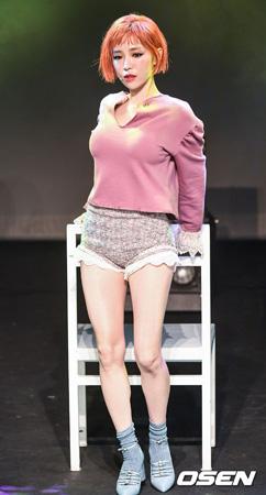 韓国警察がガールズグループ「Brown Eyed Girls」ガイン(29)の大麻勧誘暴露に関し、内密捜査に着手した中、ガイン本人がSNSで一言発した。(提供:OSEN)