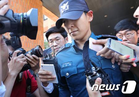 韓国の梨花女子大学校医科大学付属木洞病院の医療陣が、集中治療室で治療を受ける人気グループ「BIGBANG」T.O.P(29)の現在の意識状態と今後の治療方針などを明らかにした。