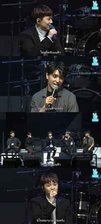 韓国人気バンド「FTISLAND」ボーカルのホンギが、のどのコンディションに心配があることを明かした。(提供:OSEN)