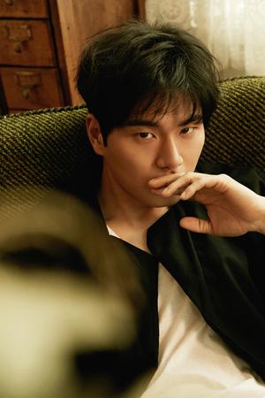 韓国俳優イ・イギョンが、ウェブドラマ「弘益(ホンイク)スーパー」にキャスティングされた。(提供:news1)
