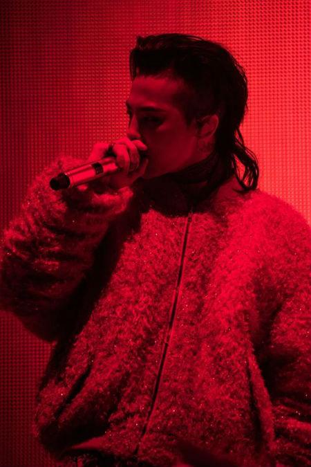 G-DRAGON(BIGBANG)が、ニューアルバム「KWON JI YONG (クォン・ジヨン)」の新曲ステージをソウルコンサートで初公開した。(提供:OSEN)