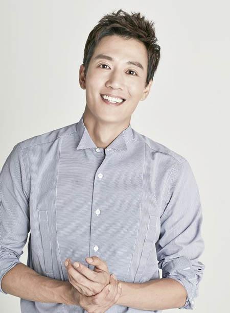 俳優キム・レウォン、HBエンターテインメントと再契約を締結(提供:OSEN)