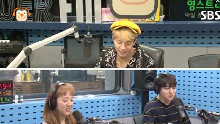 韓国ボーイズグループ「2PM」メンバーのウヨンが、ラジオ番組で「釜山(プサン)方言は難しいです」と故郷の方言に対する悩みを吐露した。(提供:OSEN)