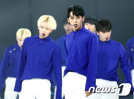 韓国アイドルグループ「SEVENTEEN」が海外で好評を得ている。