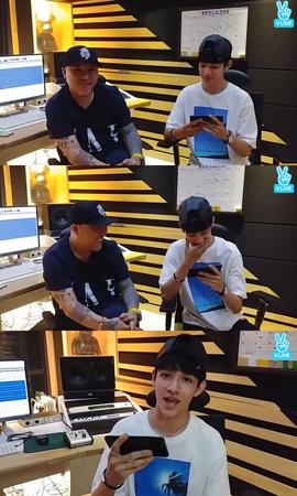 韓国Mnetの国民的ボーイズグループ育成番組「プロデュース101 シーズン2」に出演していたサムエルが、8月にミニアルバムを発表することになった。(提供:OSEN)