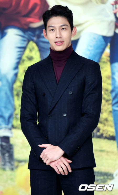男性デュオ「UN」出身の俳優チェ・ジョンウォンが、MBC週末ドラマ「あなたはひどいです」に途中合流することが分かった。(提供:OSEN)