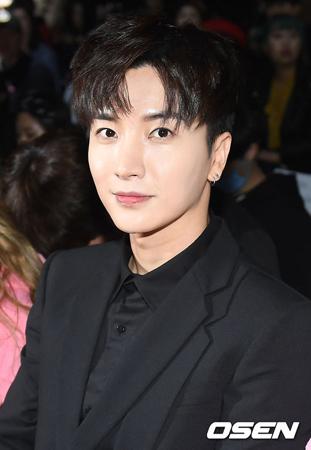 撮影中に盗難に遭ったことが伝えられていた韓国ボーイズグループ「SUPER JUNIOR」のイトゥクが、立場を明らかにした。(提供:OSEN)