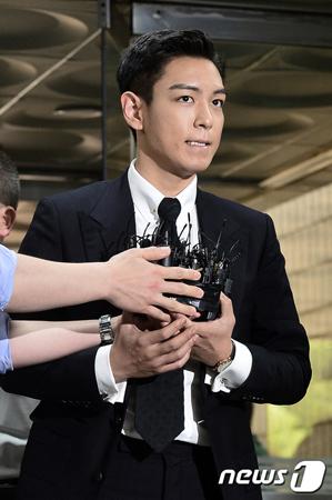 韓国の人気グループ「BIGBANG」T.O.P(29、本名:チェ・スンヒョン)が大麻吸煙容疑の初公判で、練習生Aと決別したと明らかにした。