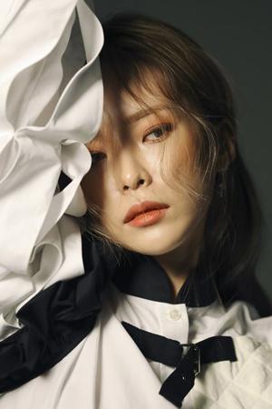 韓国歌手Heize(25)の「Don't Come Back」が1億ストリーミングを突破した。(提供:OSEN)