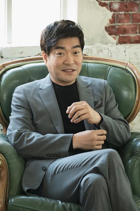 俳優ソン・ヒョンジュ、モスクワ映画祭で主演男優賞に=韓国俳優として24年ぶりの快挙(提供:news1)