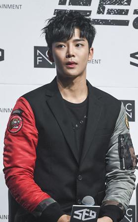 韓国ボーイズグループ「SF9」メンバーのロウンが、SBSの音楽番組「人気歌謡」でスペシャルMCを務めることになった。(提供:OSEN)