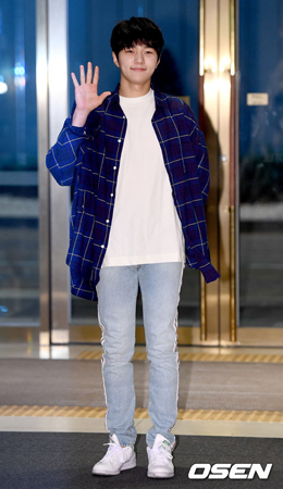 韓国ボーイズグループ「INFINITE」メンバーのエル(25)が、出演ドラマ「君主-仮面の主人」撮影終了の感想を語った。(提供:OSEN)